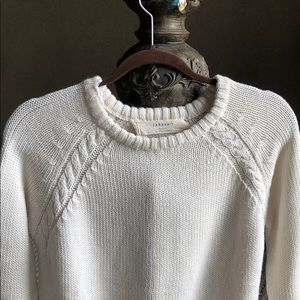 3/4 length sleeve cable sweater with back slit